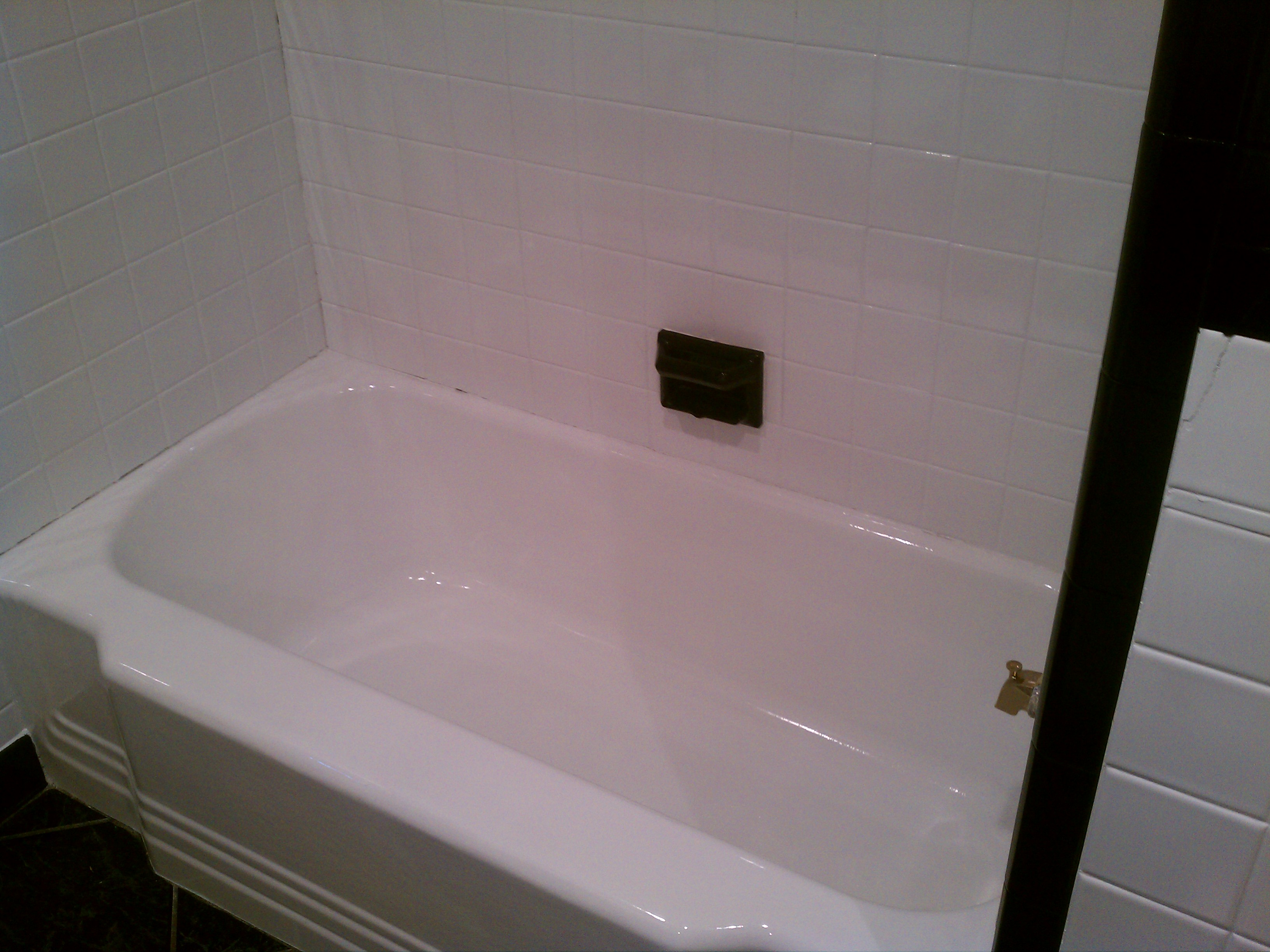 Painting Bathtub and Tile | Bowles Electrostatic Painting ...